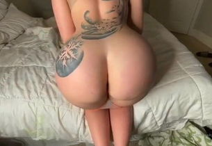Light-haired ginormous booty onlyfans