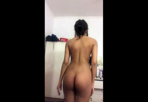 Nubile lady coed unwrapping on camera