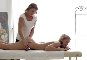 Massage-X - Girl/girl  massage