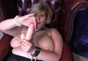 English Big-chested Gilf Taunting..